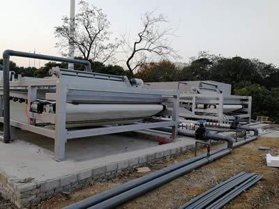 安徽河道淤泥压榨脱水机2台机器使用